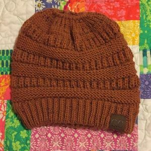 CC Ponytail Beanie Rust Color